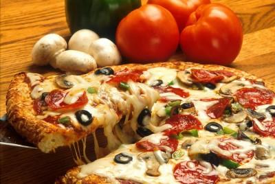 Pizzaschere schneiden