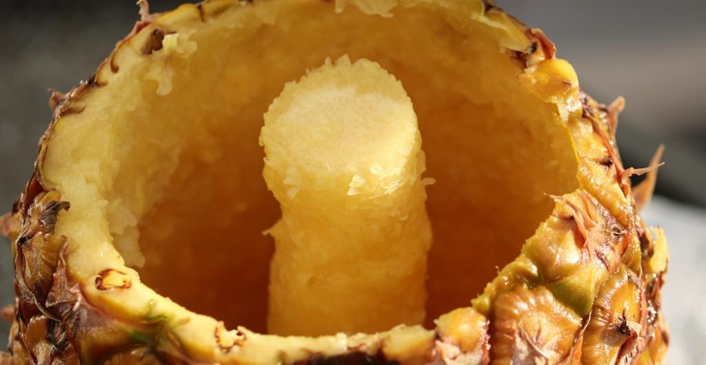 Ananasschneider Ananas schneiden