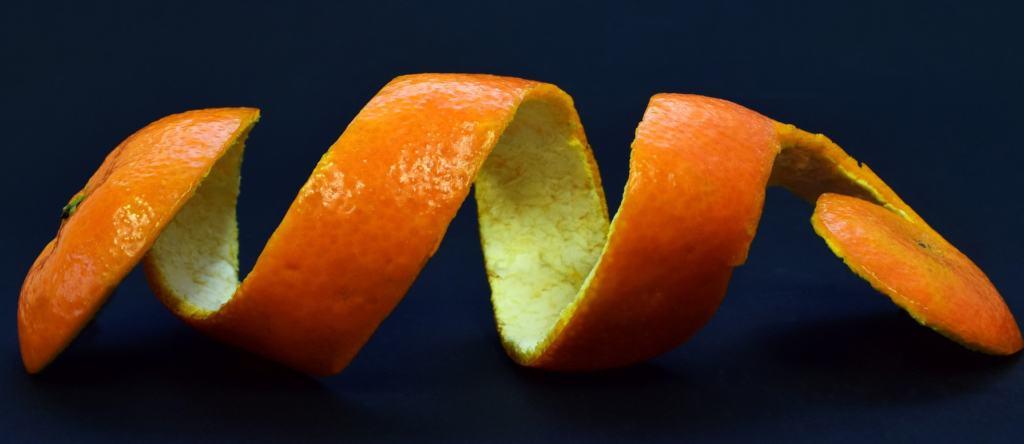 Orangen schälen im Test
